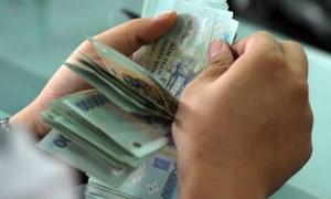 Siết cho vay tiền mặt, dừng đòi nợ
