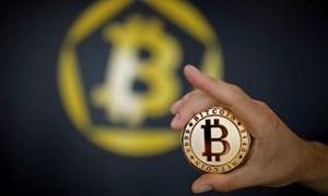 Bitcoin vẫn lao dốc sau khi thủng đáy 4.000 USD