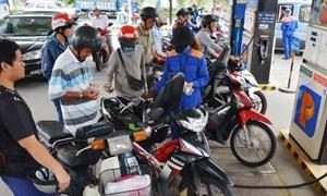 Cần lộ trình bỏ quỹ bình ổn xăng dầu