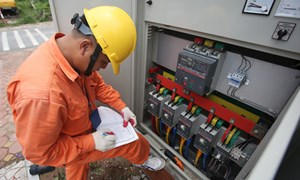 Chính phủ tiếp tục hỗ trợ giảm giá điện, giảm tiền điện đợt 2