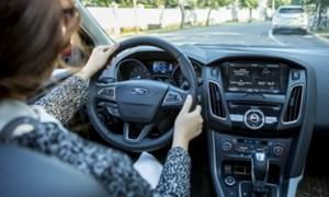 Bí kíp lái xe an toàn cho chị em phụ nữ