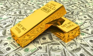 Tiền tháo chạy khỏi vàng nhanh nhất 4 tháng
