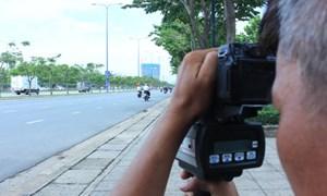 Bị bắn tốc độ, người lái xe có quyền yêu cầu cho xem hình ảnh vi phạm?