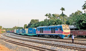 Siết chặt kiểm tra hàng hóa nhập khẩu, chuyển khẩu tuyến đường sắt