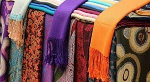 Việt Nam nhập hơn 8.800 chiếc khăn tơ tằm Trung Quốc chính ngạch