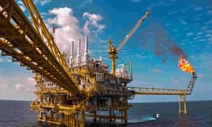 Giá dầu thế giới tăng trên 5-6% trong tháng 10/2017