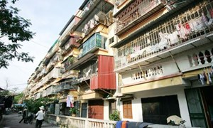 Chung cư cũ, nên cải tạo cả khu!
