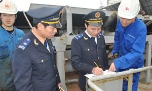Chủ động đấu tranh phòng, chống buôn lậu xăng dầu trên biển