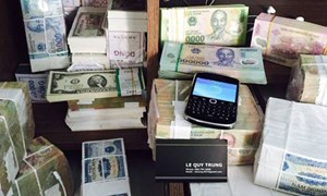 Giám sát chặt việc đổi tiền lẻ trái phép