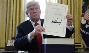 """Cải cách thuế """"khủng"""" của ông Trump, lợi hay hại?"""