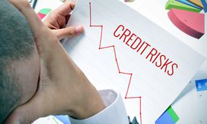 Cảnh giác trước bẫy tín dụng tiêu dùng