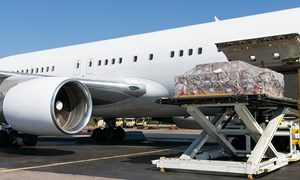 Cần cú hích cho vận chuyển hàng không