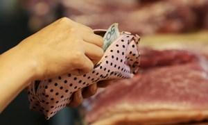 Chiến tranh thương mại bắt đầu bóp nghẹt ví tiền của người Trung Quốc