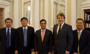 Thứ trưởng Bộ Tài chính Trần Xuân Hà sang thăm và làm việc với các Cơ quan tài chính và bảo hiểm Anh