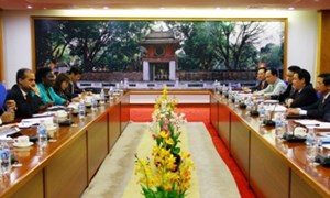 Bộ trưởng Bộ Tài chính Vương Đình Huệ làm việc với Ngân hàng Thế giới