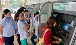 Máy ATM sẵn sàng… đợi khách