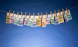 Nghi ngờ 2 hợp đồng bảo hiểm có dấu hiệu rửa tiền