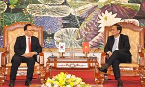 Thứ trưởng Bộ Tài chính Nguyễn Hữu Chí tiếp Tổng lãnh sự danh dự của Việt Nam tại Hàn Quốc