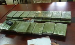 Hải quan Điện Biên phối hợp bắt giữ 75 bánh heroin