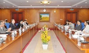 Thứ trưởng Bộ Tài chính Trương Chí Trung làm việc với Đoàn đánh giá của IFAD tại Việt Nam