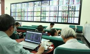 Sắp đến thời bơm tiền: Rủ nhau vợt cổ phiếu