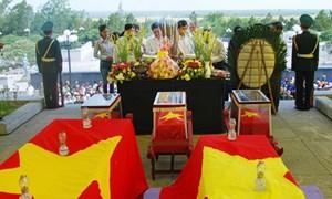 Truy điệu, an táng 53 hài cốt liệt sĩ hy sinh tại Lào