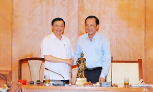 Ban Cán sự Đảng Bộ Tài chính làm việc với TP. Hải Phòng về tổng kết 10 năm thực hiện Nghị quyết số 32-NQ/TW