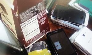 Buôn lậu điện thoại qua đường hàng không