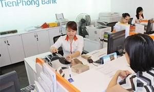 Thừa vốn, ngân hàng vẫn cạnh tranh huy động