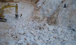 Mức phí tính thuế tài nguyên đối với sản lượng đá?