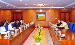 Bộ Tài chính mong Ngân hàng Đầu tư Quốc tế tiếp tục phát triển các dự án tại Việt Nam