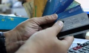 Cảnh giác khi người lạ nhờ mở tài khoản thẻ