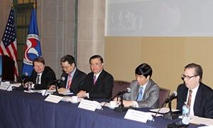 Bộ trưởng Đinh Tiến Dũng hội đàm với USCC và FED tại Hoa Kỳ