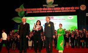VIB nhận danh hiệu Thương hiệu mạnh Việt Nam 2013