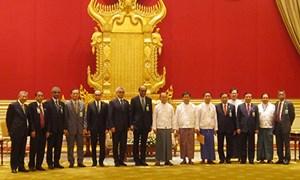 Bộ trưởng Bộ Tài chính Đinh Tiến Dũng tiếp xúc song phương tại AFMM18