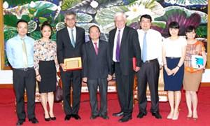 Ủng hộ Việt Nam trong các quá trình đàm phán Hiệp định thương mại tự do