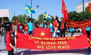 Người Việt tại Thụy Điển tuần hành phản đối Trung Quốc