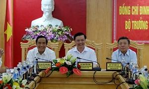 Bộ trưởng Đinh Tiến Dũng đánh giá cao nỗ lực phát triển kinh tế của Hà Tĩnh và Nghệ An