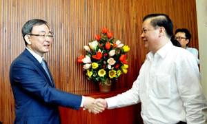 Bộ trưởng Đinh Tiến Dũng làm việc với Ủy ban Truyền thông Quốc gia Hàn Quốc