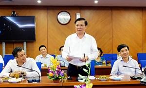 Bộ trưởng Bộ Tài chính tặng Bằng khen cho Chương trình