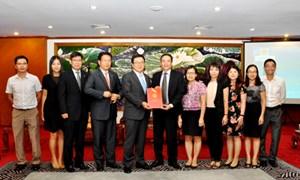 Trao giấy phép Chi nhánh SGI tại Hà Nội