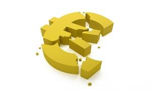 Pháp bị hạ tín nhiệm, đồng Euro giảm mạnh
