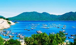 Phát huy tiềm năng, lợi thế kết hợp với bảo vệ chủ quyền biển, đảo