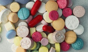 Phát hiện và bắt giữ 10.000 viên ma túy, 1,5 kg hoa cần sa