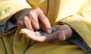 Hàng triệu gia đình tại Anh chìm sâu hơn vào nghèo đói