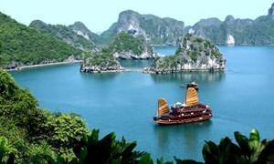 Một số giải pháp phát triển du lịch biển đảo Việt Nam