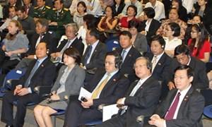 Bộ trưởng Vương Đình Huệ tham gia trao đổi các chính sách về lĩnh vực tài chính