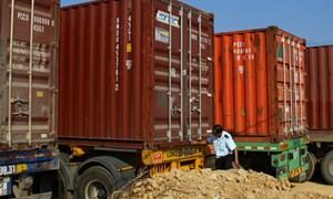 Phát hiện 102 vụ vi phạm trong tạm nhập - tái xuất mặt hàng đường