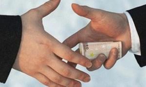 Doanh nghiệp - Nạn nhân và thủ phạm của tham nhũng