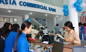 Hơn 700 nhân viên ngân hàng ACB mất việc
